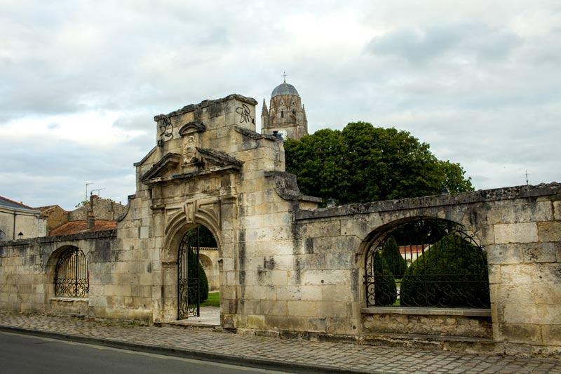 Saintes. Die Weinreise nach Bordeaux geht weiter